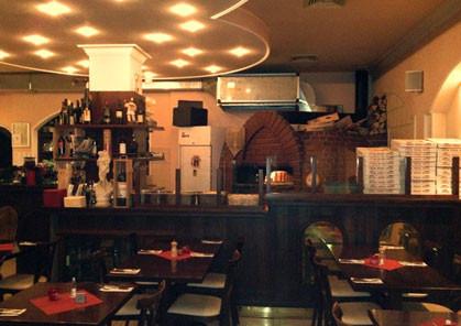 Pizzeria-Coccinella-mit-Holzofen, feine italienische Speisen in der Dachauerstrasse 38, Maxvorstadt, München nähe Stigelmaierplatz